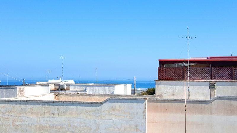 la vista mare da terrazzino della casa vacanza