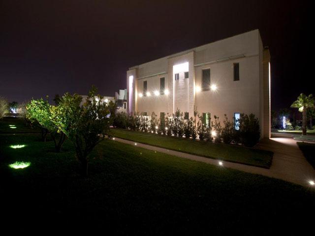 Illuminazione serale di Arthotel & Park Lecce
