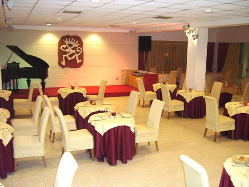 Sala da pranzo all'interno dell'Hotel degli Haethey a Otranto