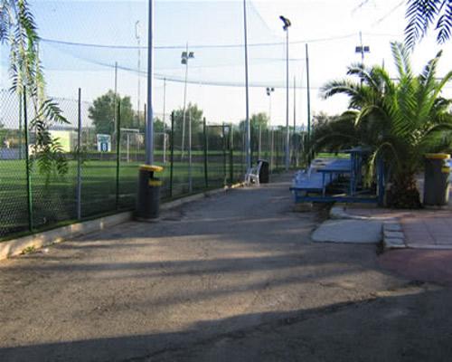 Villaggio provvisto di campi sportivi