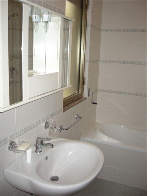 Bagno con vasca - Bilocale al primo piano