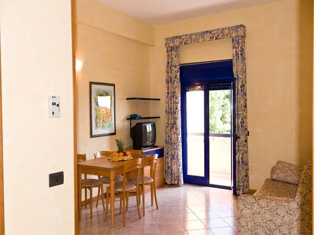 Interno delle case vacanza in affitto all'interno del Villaggio Araba Fenice