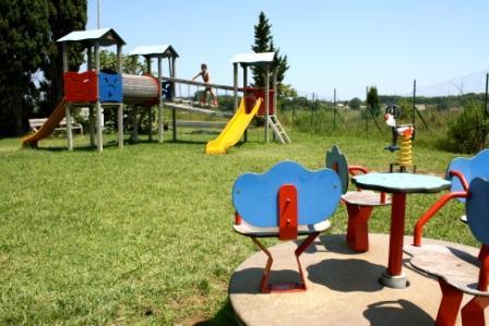parco giochi bambino al Rivazzurra club di Ttorre dell'Orso