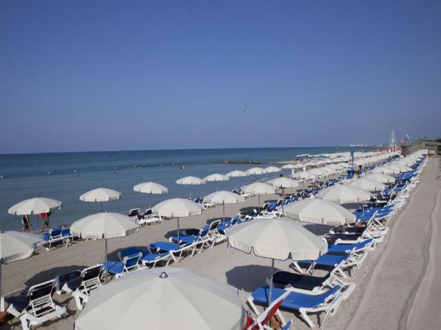 Spiaggia e lido privato del Robinson in località Fontanelle