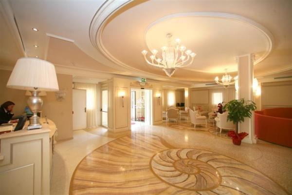 Hall del Palace Hotel