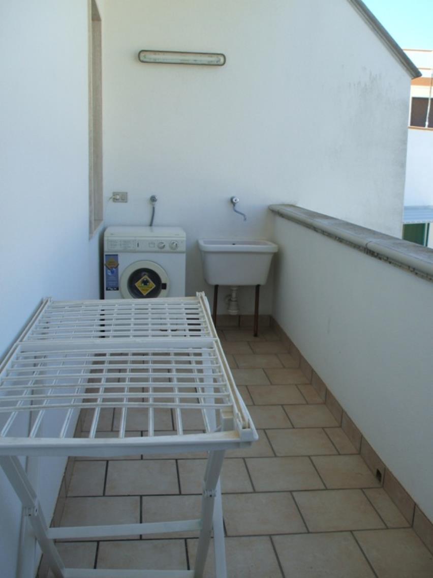lavatrice sul balcone verandato : Appartamento ampio e spazioso per le vacanze estive nel Salento. L ...