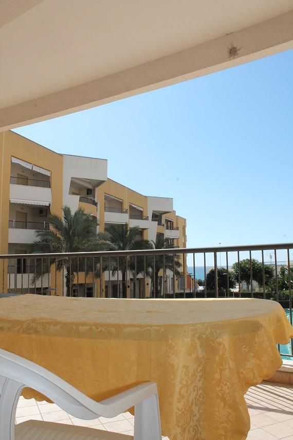 vista dalla veranda balcone dell'appartamento in affitto