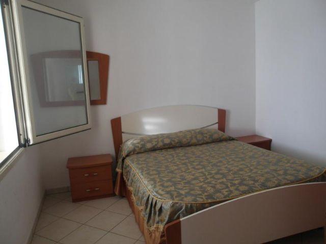 Camere da letto matrimoniali degli appartamenti bilocali e trilocali