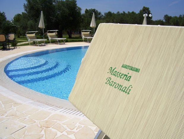 Masseria agriturismo Baronali con piscina