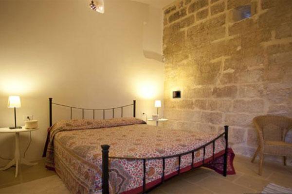 Caratteristica camera da letto matrimoniale