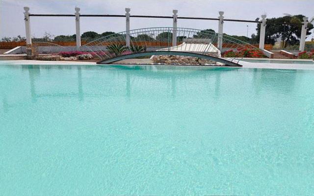 Agriturismo dotato di piscina