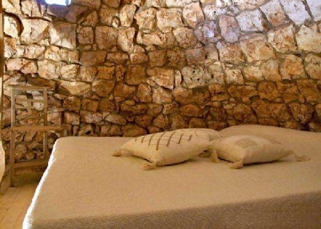 la camera con letto matrimoniale della pajara