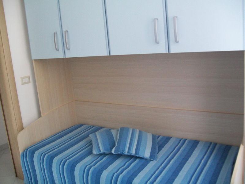Camera con divano letto a ponte estraibile (2 posti)