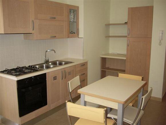 Cucina con angolo cottura - Bilocale al primo piano