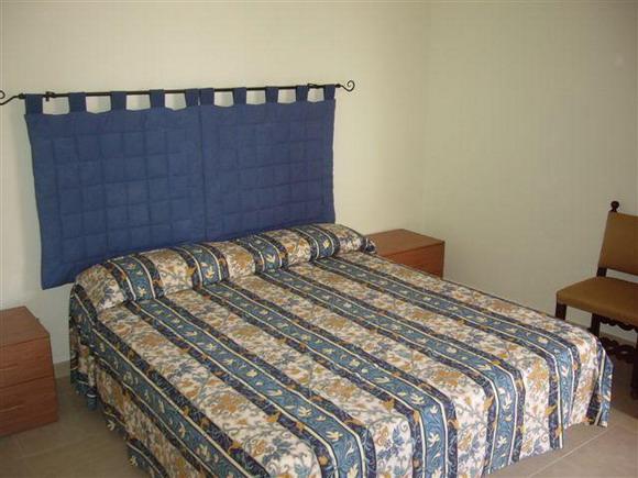 Appartamenti trilocali da 4 6 posti letto a lido san for Piani di aggiunta della camera da letto del primo piano