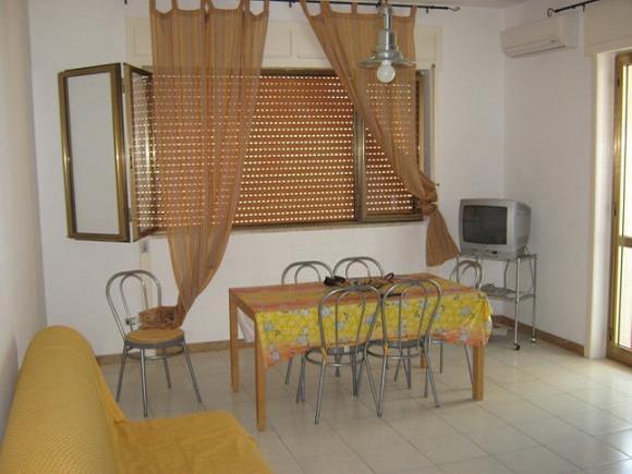 Sala da pranzo - Bilocale al secondo piano