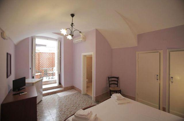 la camera matrimoniale con balcone