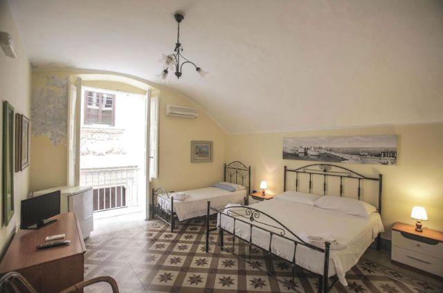 la camera tripla con balcone