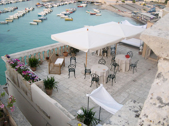 Bed and Breakfast e Dimora Storica Palazzo De Mori a Otranto, Salento