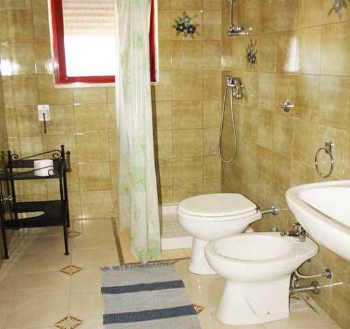 bagno privato con box doccia