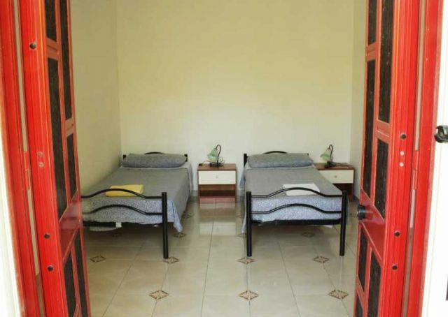 camera con la sistemazione matrimoniale o doppia