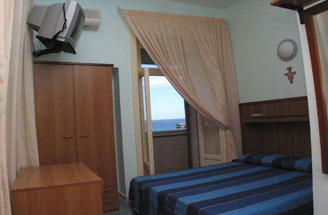 Vista di una delle camere dell'hotel