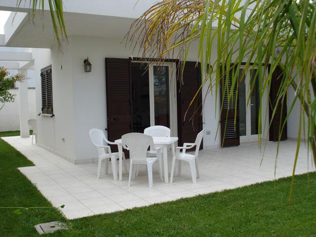 mobili e attrezzatura da giardino