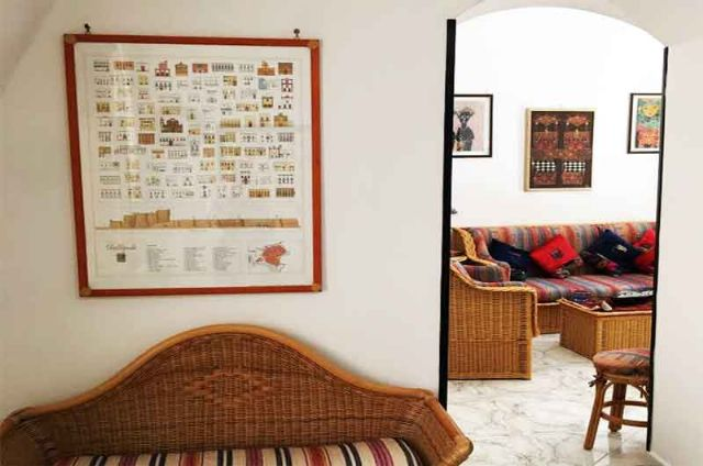 Gli ambienti della zona soggiorno e ingresso dell'abitazione