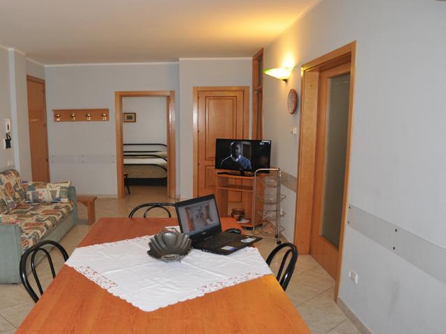 Affitto appartamento in centro a otranto con due bagni e for Appartamenti con due camere matrimoniali