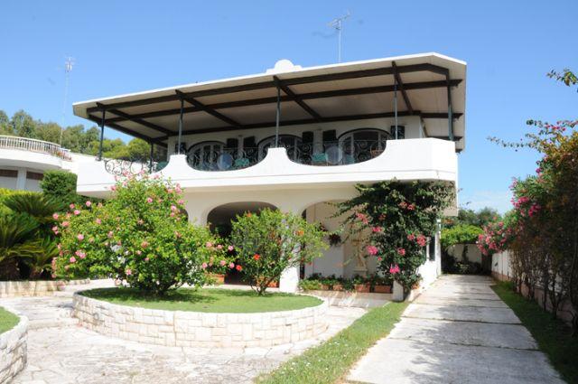 Dela Villa San Cataldo
