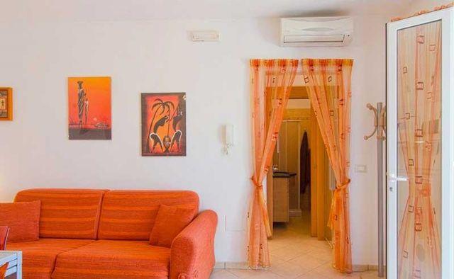 soggiorno con split per la climatizzazione