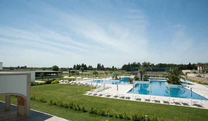 Hotel villaggio Corte del Salento con piscina