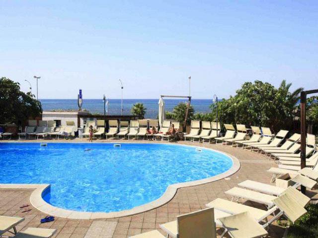 Villaggio Club Eden a Torre Ovo - Taranto