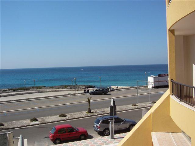 vista dal balcone terrazza dell'appartamento in affitto