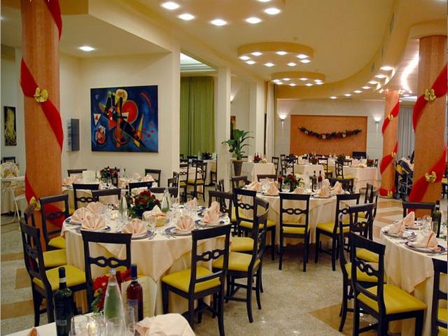 Sala ristorante del villaggio
