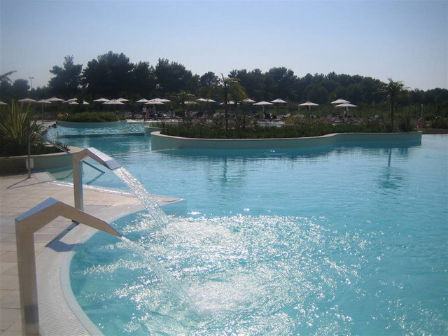 Ampia piscina della struttura