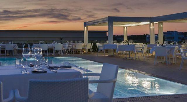 ristorante e american bar a bordo piscina