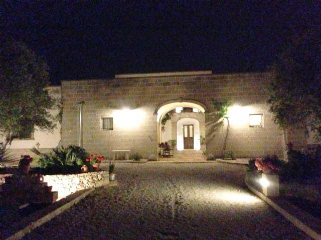 Masseria Corte dei salentini in versione notturna