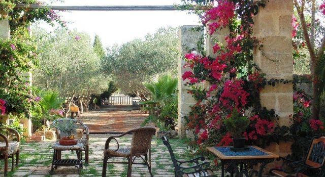 lo spazio per il relax nel giardino di Agriturismo Nova Isola Verde