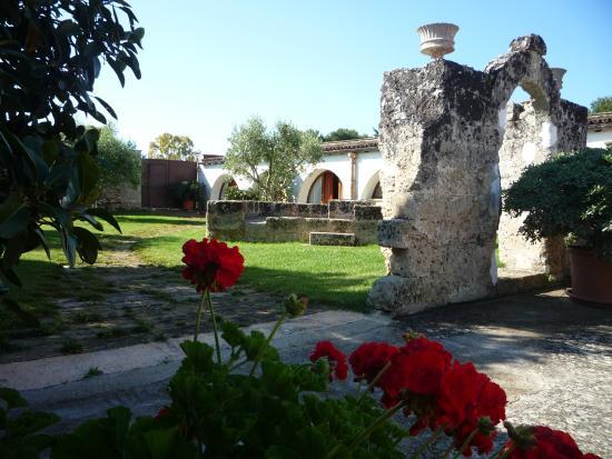 Il giardino di biomasseria Santa Lucia