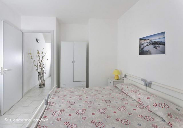 Camera da letto matrimoniale di uno degli appartamenti
