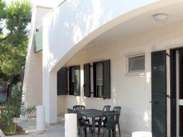 Appartamenti con spazio antistante attrezzato